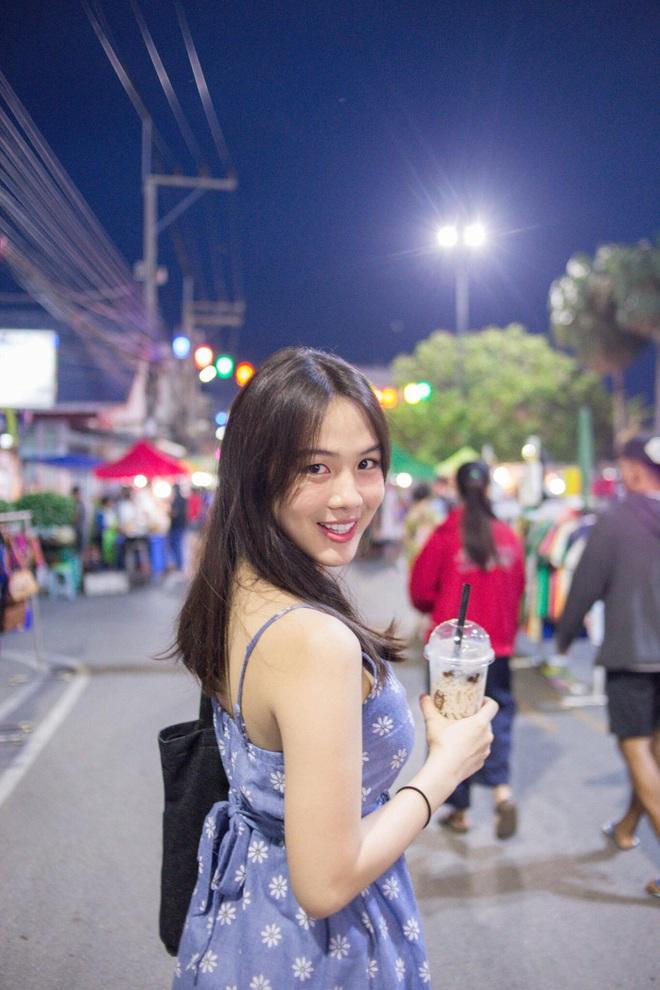 Dân mạng Trung Quốc phát sốt vì hot girl trà sữa Thái Lan, không giấu giếm mình là người chuyển giới - ảnh 3