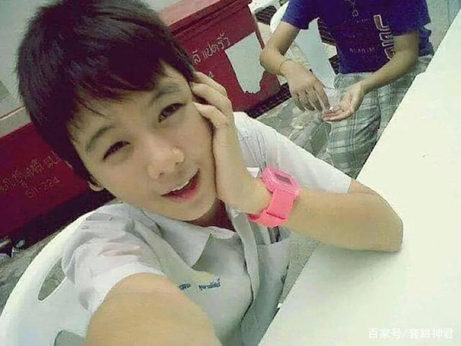 Dân mạng Trung Quốc phát sốt vì hot girl trà sữa Thái Lan, không giấu giếm mình là người chuyển giới - ảnh 6