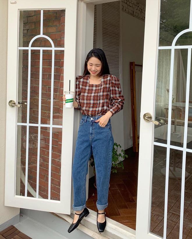 4 món đồ jeans bạn nên tậu gấp để bước vào mùa Thu với style trẻ xinh hết nấc - ảnh 4