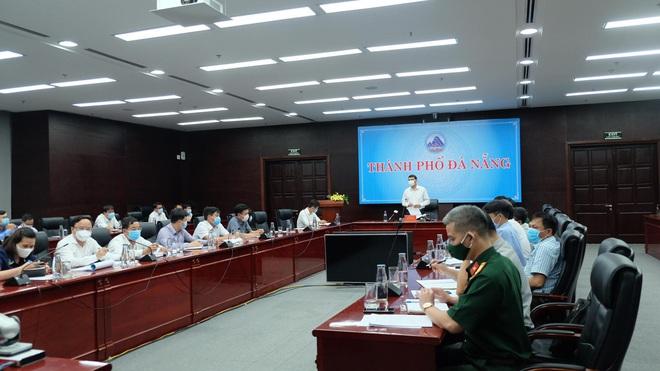 Từ 23 giờ khuya nay, Đà Nẵng kiểm soát phương tiện cá nhân đi ngoài đường để phòng tránh bão số 5 - ảnh 1
