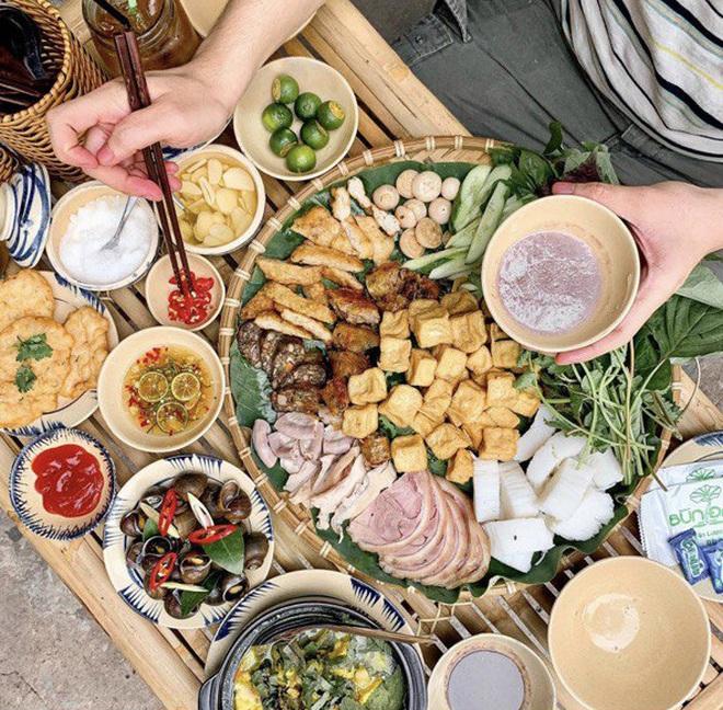 Thường xuyên bị... tào tháo rượt, tăng 10kg kể từ lúc làm food blogger: Ăn Sập Sài Gòn không hề sướng như mọi người nghĩ - Ảnh 3.