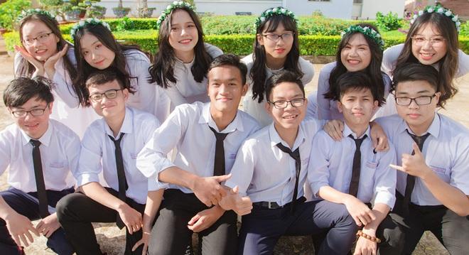Nam sinh Đắk Lắk trở thành Thủ khoa toàn quốc khối A1: Hai điểm 10 Toán và Tiếng Anh, cao 1m84, muốn vào ĐH Ngoại thương - ảnh 1
