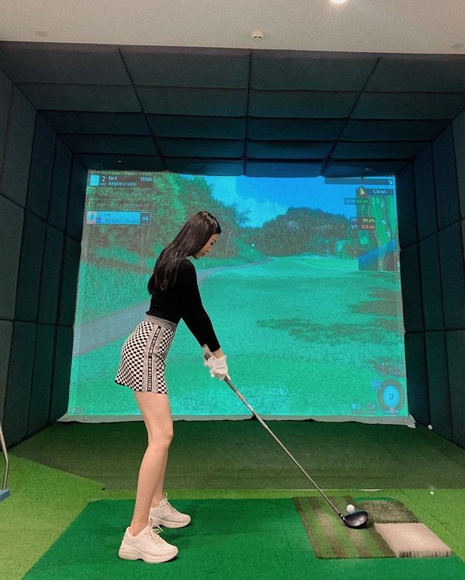 So ảnh gái xinh mặc bikini với khi lên đồ chơi golf: Dáng chuẩn, eo thon thì mặc hở kín gì cũng đẹp mê - ảnh 9