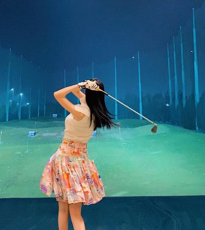 So ảnh gái xinh mặc bikini với khi lên đồ chơi golf: Dáng chuẩn, eo thon thì mặc hở kín gì cũng đẹp mê - ảnh 7