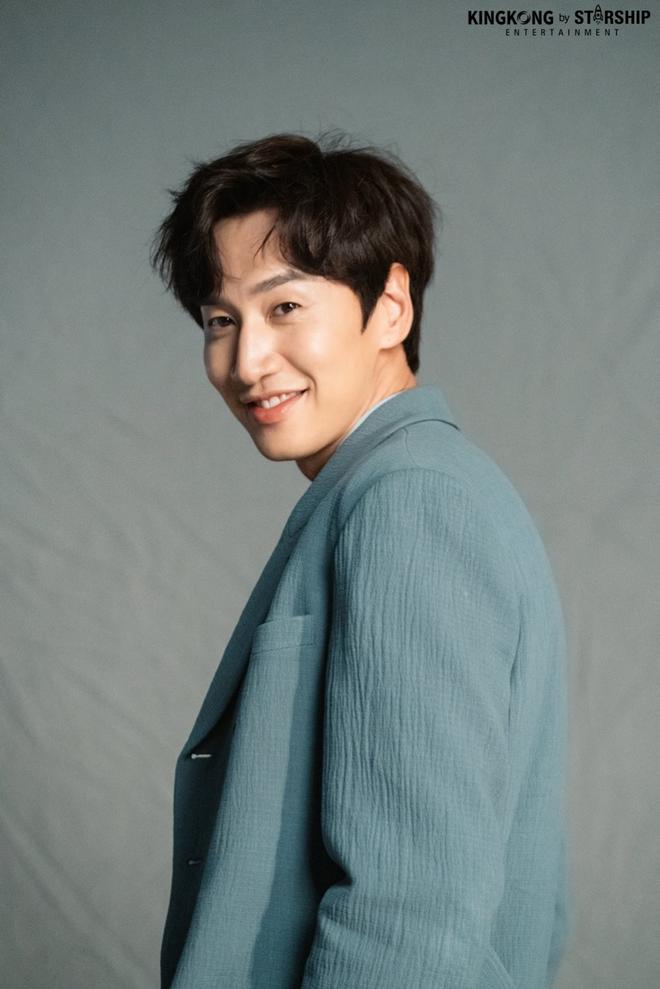 Quá mê mẩn Dịch Dương Thiên Tỉ, Lee Kwang Soo ao ước được làm lưu manh như cậu em ở Em Của Thời Niên Thiếu - ảnh 2