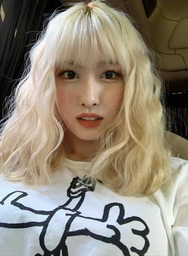 5 kiểu tóc uốn chuẩn mùa thu của sao Hàn, bạn diện theo vừa ăn gian tuổi siêu phàm lại còn sang xịn - Ảnh 1.