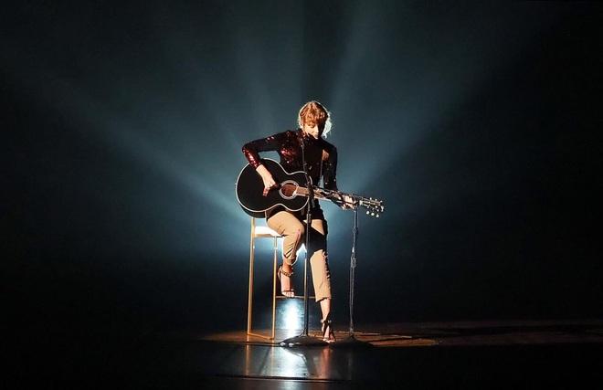 Taylor Swift trở lại làm công chúa nhạc đồng quê tại ACM Awards: The Old Taylor đây rồi! - ảnh 2