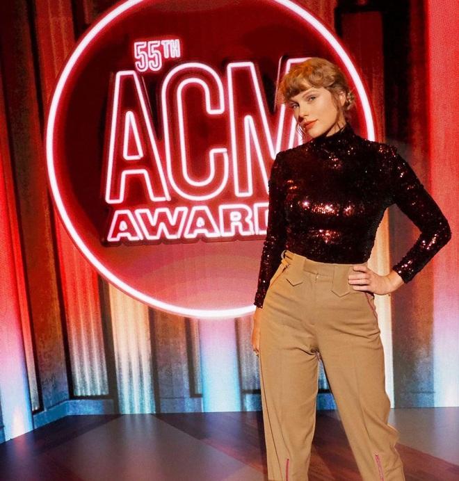 Taylor Swift trở lại làm công chúa nhạc đồng quê tại ACM Awards: The Old Taylor đây rồi! - ảnh 5