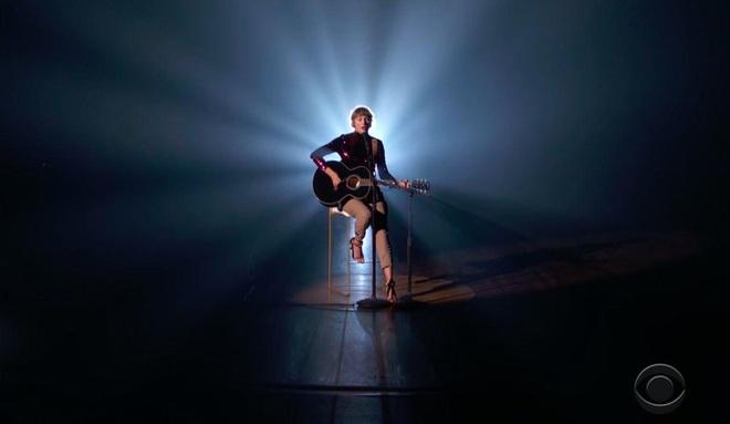 Taylor Swift trở lại làm công chúa nhạc đồng quê tại ACM Awards: The Old Taylor đây rồi! - ảnh 3