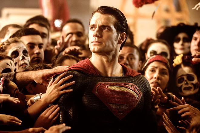 Trai đẹp Henry Cavill sẽ làm Superman tận 6 phim nữa, nghe mà ấm lòng ghê! - ảnh 1