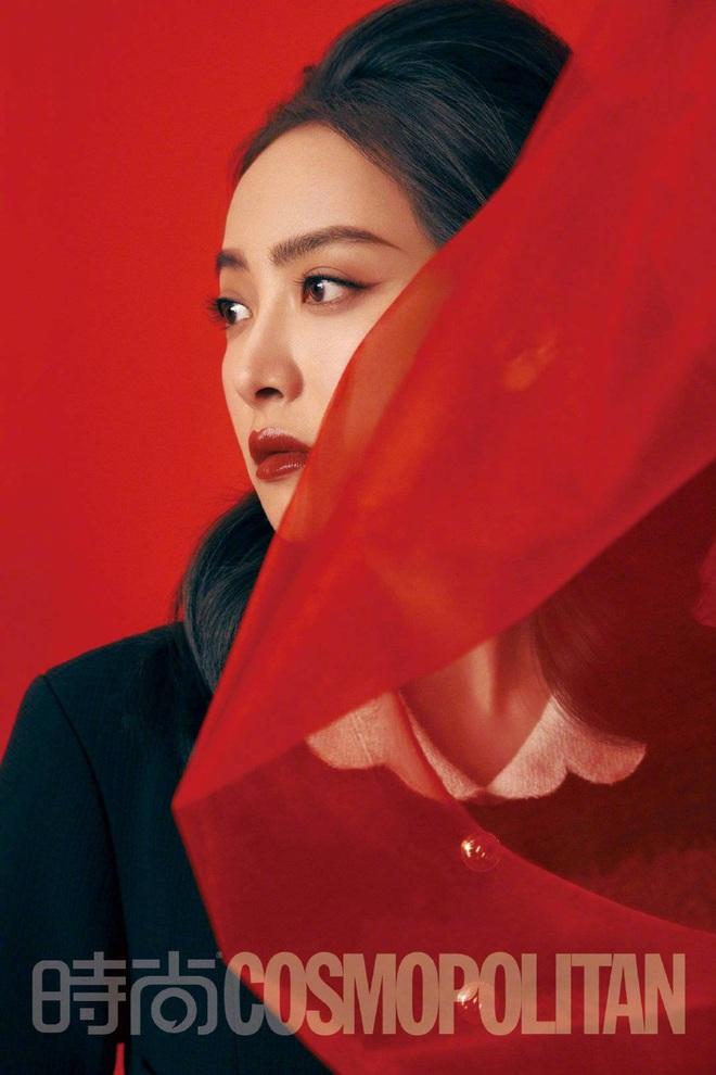 3 mỹ nhân đụng độ: Jennie, Tống Thiến đều sang như bà hoàng nhưng sao Kim Go Eun lại có biểu cảm khó phân định thế này? - ảnh 4