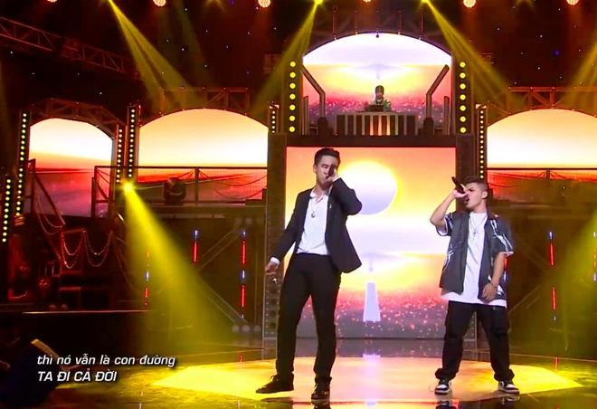 Trấn Thành tiếp tục rơi nước mắt lần thứ 2 trên sân khấu Rap Việt - ảnh 2
