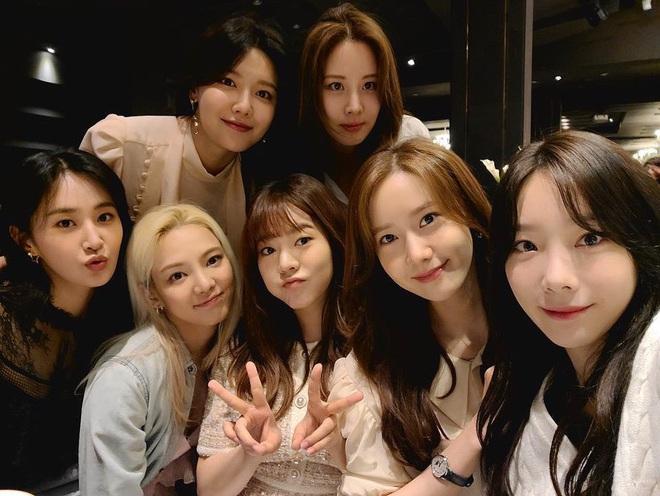 Netizen bức xúc khi Jessica liên tục lợi dụng SNSD cho cuốn tự truyện, fan đào lại ca khúc 5 năm trước của 8 thành viên để dằn mặt - ảnh 3