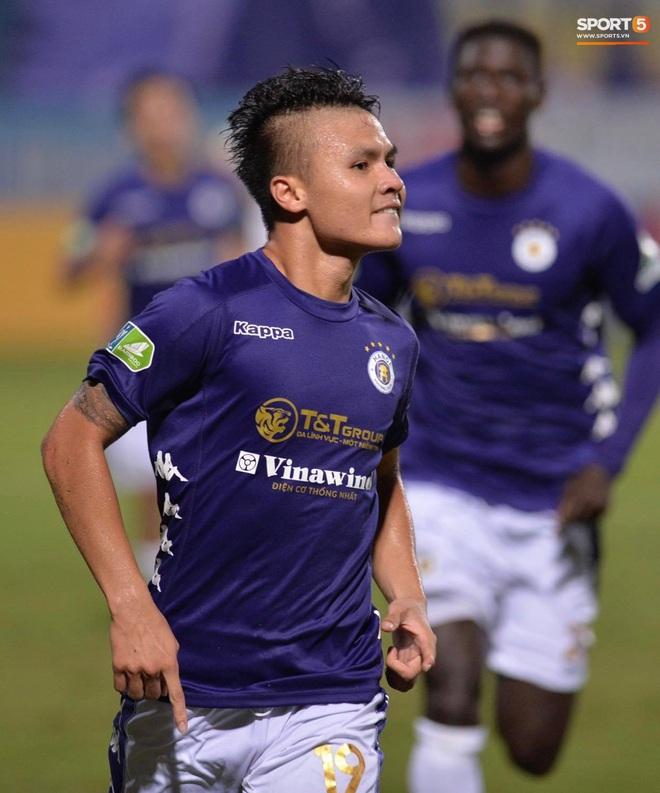 Quang Hải ăn mừng đầy cảm xúc khi ghi bàn giúp Hà Nội FC vô địch Cúp Quốc gia 2020 - ảnh 2