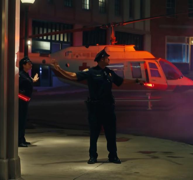 Giải mã MV 911: Lady Gaga là nạn nhân tai nạn giao thông, các nhân vật kì quái xuất hiện không hề ngẫu nhiên! - ảnh 26