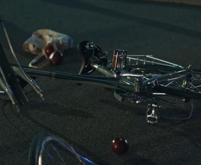 Giải mã MV 911: Lady Gaga là nạn nhân tai nạn giao thông, các nhân vật kì quái xuất hiện không hề ngẫu nhiên! - ảnh 4