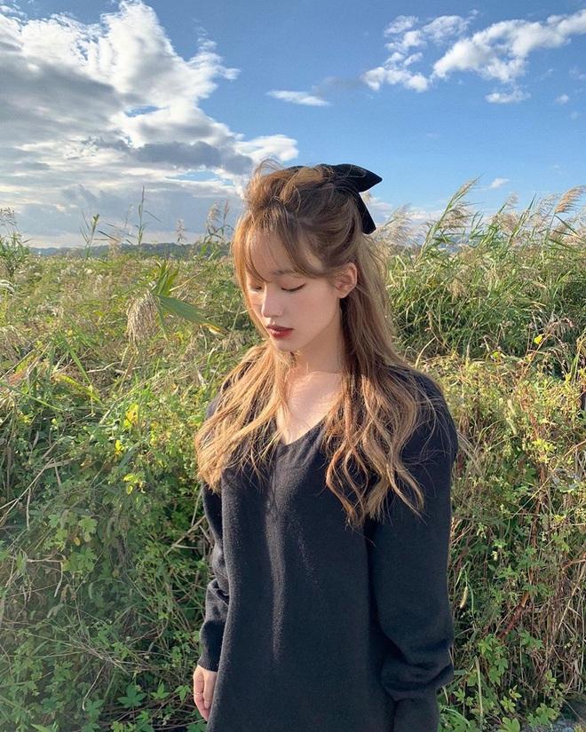 Kiểu tóc quen thuộc hay bị chê sến nhưng Irene, IU diện lên lại đẹp sang như nữ thần - ảnh 14