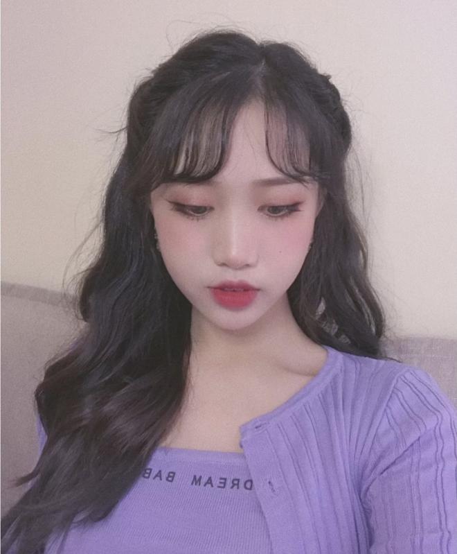 Kiểu tóc quen thuộc hay bị chê sến nhưng Irene, IU diện lên lại đẹp sang như nữ thần - ảnh 11
