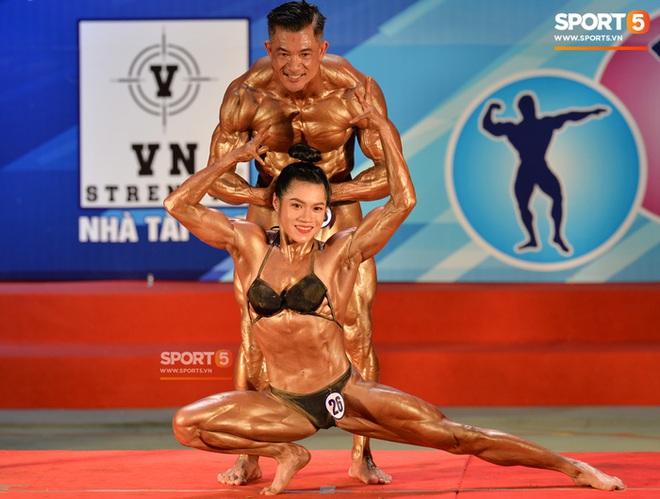 Búp bê cơ bắp Trần Ny Ny thắng tuyệt đối ở hạng 55 cân nữ giải thể hình các CLB toàn quốc - ảnh 1