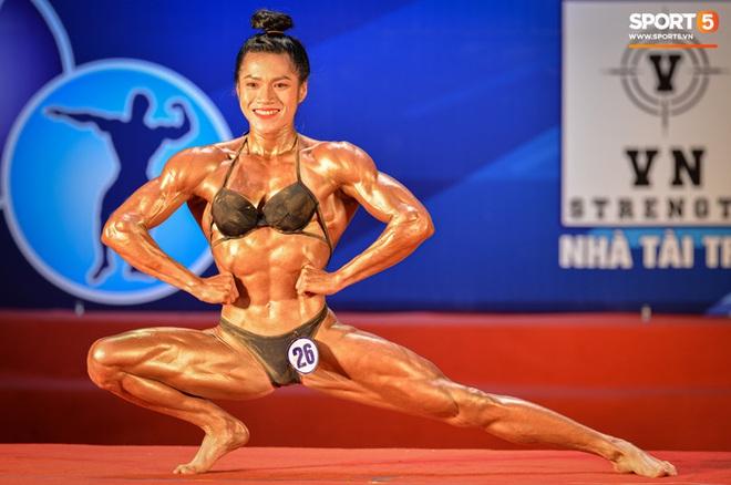 Búp bê cơ bắp Trần Ny Ny thắng tuyệt đối ở hạng 55 cân nữ giải thể hình các CLB toàn quốc - ảnh 2