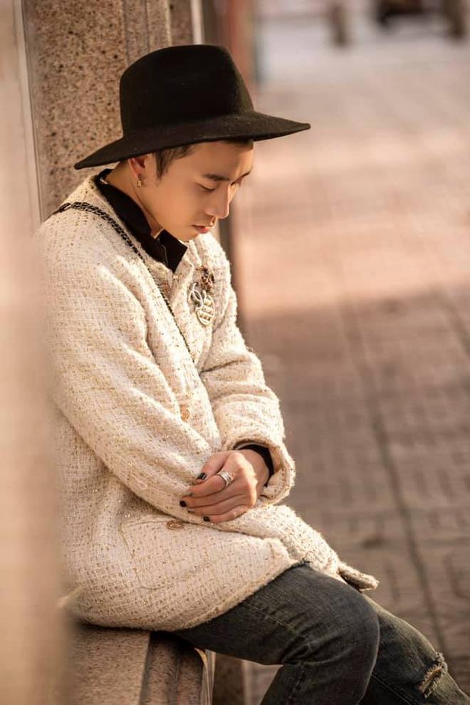 Karik lên đồ bảnh tỏn, sơn móng này nọ nhưng cư dân mạng lại đồng loạt gọi tên G-Dragon - ảnh 2