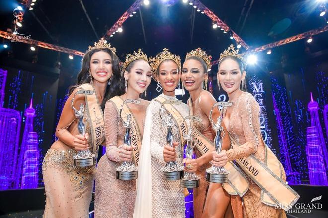 Chung kết Miss Grand Thailand 2020: Á hậu 4 gây sốt với màn catwalk xoay 4 vòng như lốc xoáy, át cả nhan sắc tân Hoa hậu - ảnh 2