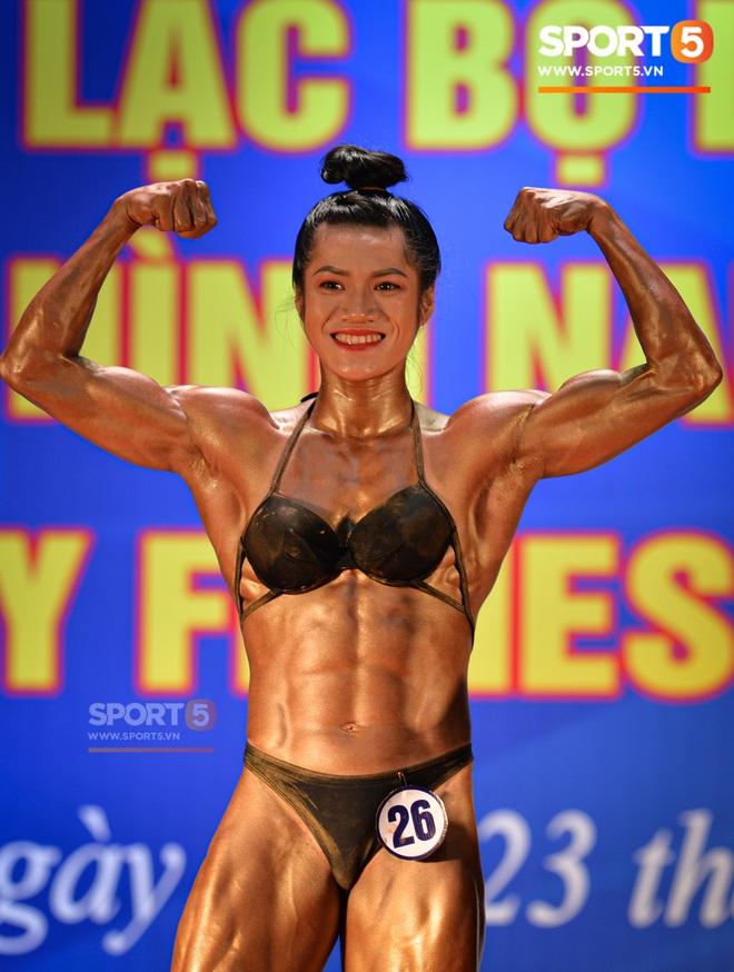 Búp bê cơ bắp Trần Ny Ny thắng tuyệt đối ở hạng 55 cân nữ giải thể hình các CLB toàn quốc - ảnh 5