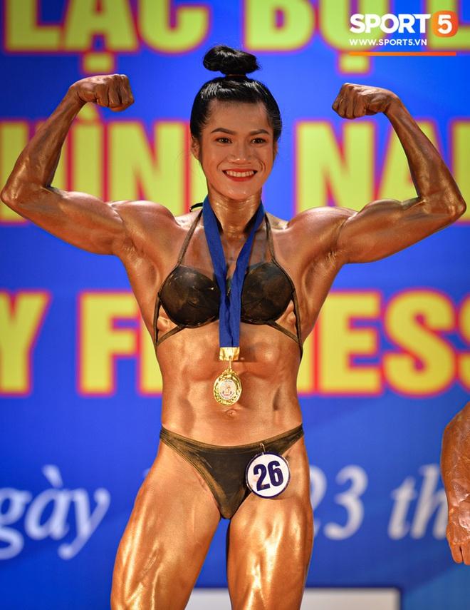 Búp bê cơ bắp Trần Ny Ny thắng tuyệt đối ở hạng 55 cân nữ giải thể hình các CLB toàn quốc - ảnh 8