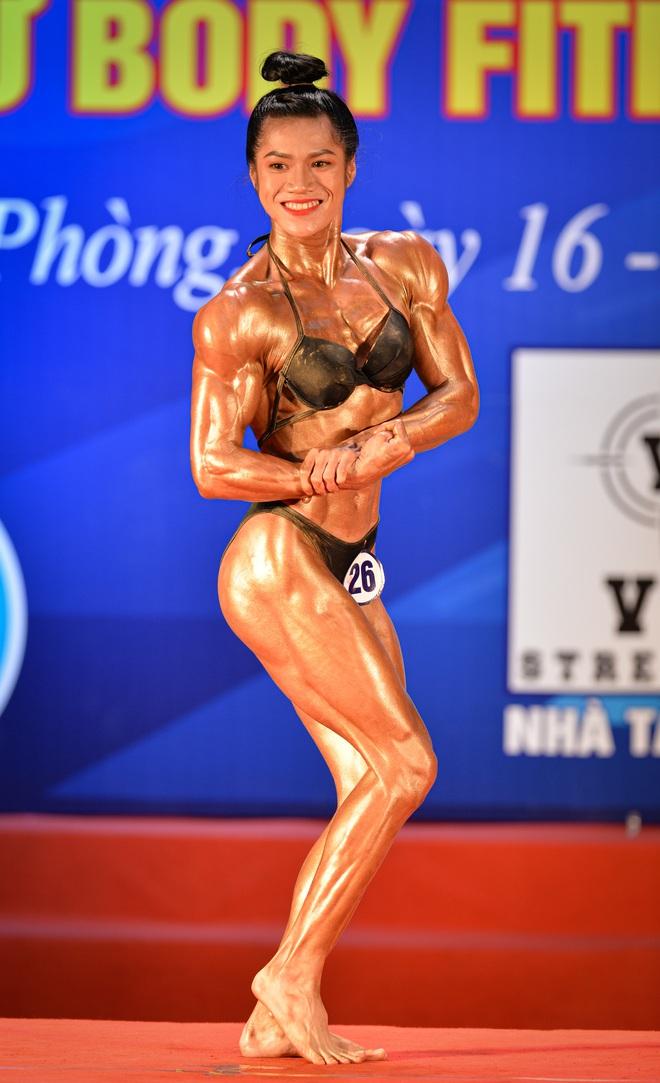 Búp bê cơ bắp Trần Ny Ny thắng tuyệt đối ở hạng 55 cân nữ giải thể hình các CLB toàn quốc - ảnh 3
