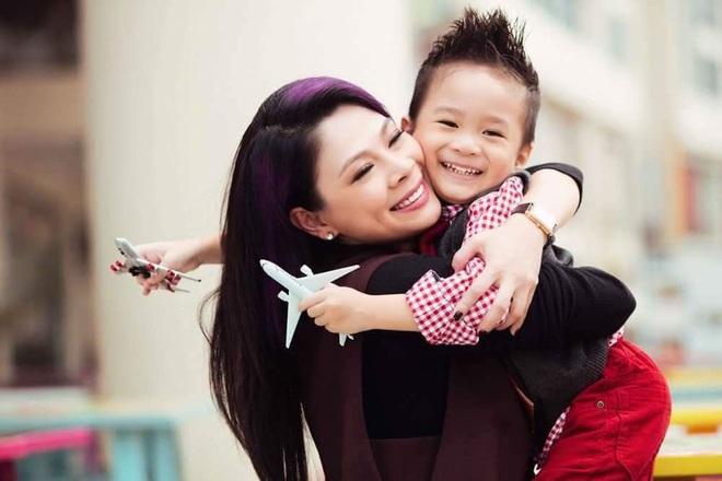 """Thanh Thảo hé lộ phản ứng bất ngờ của bé Jacky khi nhắc về Ngô Kiến Huy: """"Con không muốn khóc, con nghĩ sẽ không gặp lại ba ruột"""" - ảnh 3"""