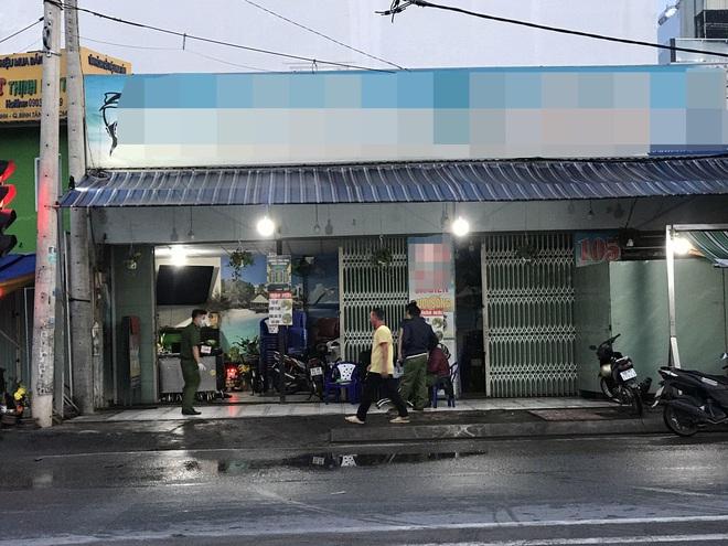 Bắt nhóm thanh niên truy sát khiến 1 người tử vong, 2 người bị thương ở Sài Gòn - ảnh 1