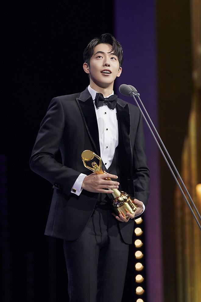 """5 nam thần trẻ xứ Hàn """"xịt dần đều"""" trên màn ảnh: Nam Joo Hyuk diễn xuất """"bình hoa"""", Yoo Seung Ho lựa phim quá chán - Ảnh 2."""