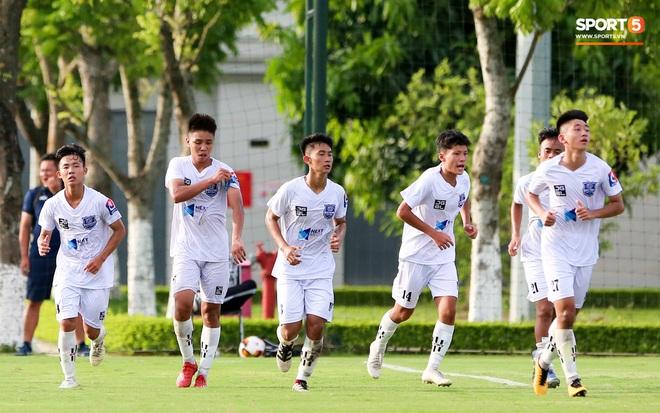 Dương Quang Trung Hiếu: Sát thủ triển vọng của bóng đá Việt với số áo kỳ lạ và ước mơ cao lớn như Ronaldo - ảnh 7