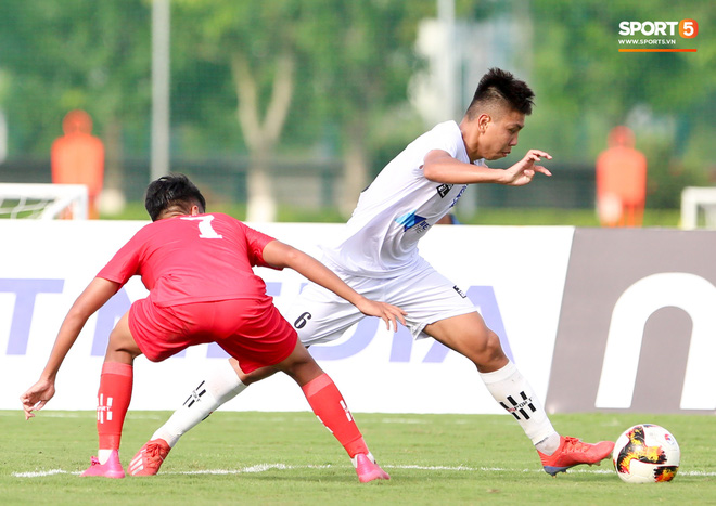 Dương Quang Trung Hiếu: Sát thủ triển vọng của bóng đá Việt với số áo kỳ lạ và ước mơ cao lớn như Ronaldo - ảnh 5