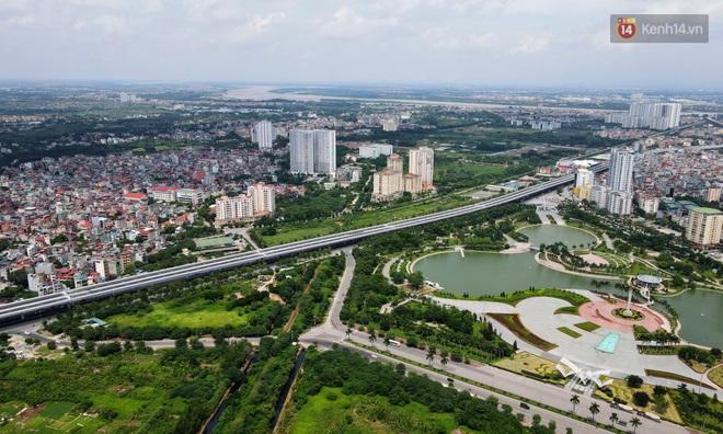 Cận cảnh cầu cạn Mai Dịch - Nam Thăng Long đã rải nhựa xong chờ ngày thông xe - ảnh 8
