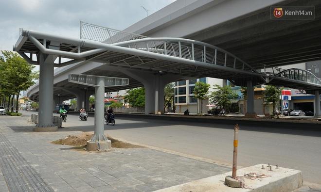 Cận cảnh cầu cạn Mai Dịch - Nam Thăng Long đã rải nhựa xong chờ ngày thông xe - ảnh 13