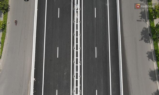 Cận cảnh cầu cạn Mai Dịch - Nam Thăng Long đã rải nhựa xong chờ ngày thông xe - ảnh 18