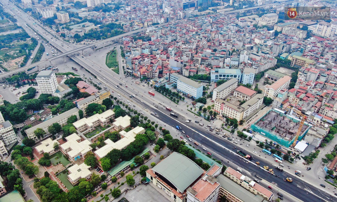 Cận cảnh cầu cạn Mai Dịch - Nam Thăng Long đã rải nhựa xong chờ ngày thông xe - ảnh 2