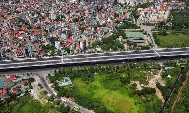 Cận cảnh cầu cạn Mai Dịch - Nam Thăng Long đã rải nhựa xong chờ ngày thông xe - ảnh 9