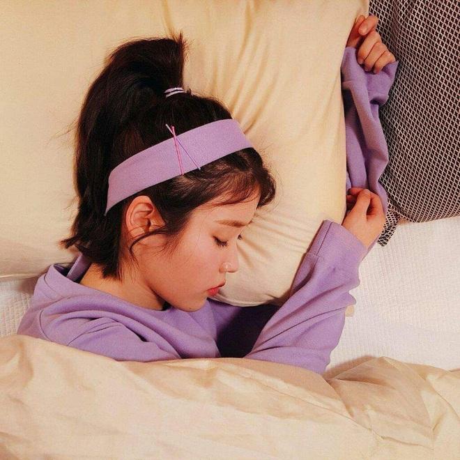 Idol Hàn chợp mắt với nguyên lớp makeup: Xem vừa thương vừa nhận ra toàn cực phẩm nhan sắc, đến ngủ cũng đẹp - ảnh 8