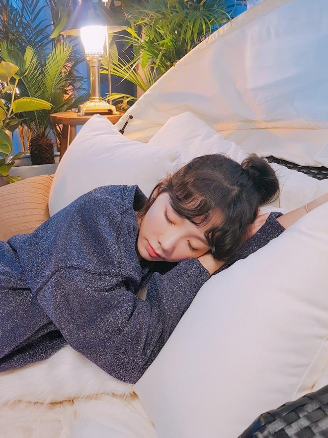 Idol Hàn chợp mắt với nguyên lớp makeup: Xem vừa thương vừa nhận ra toàn cực phẩm nhan sắc, đến ngủ cũng đẹp - ảnh 9