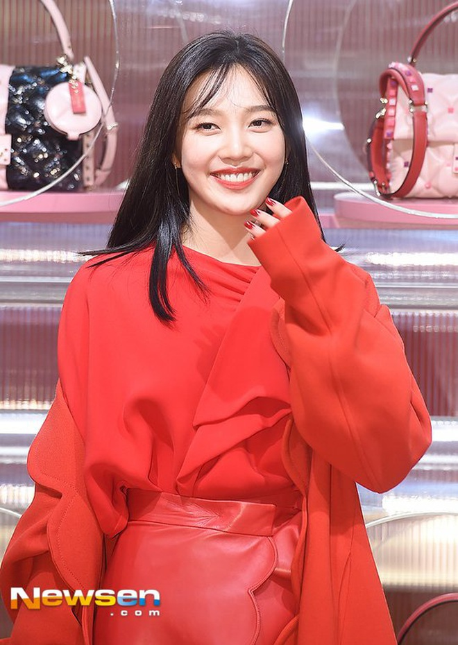 Khẩu chiến nữ thần mới của Red Velvet dự sự kiện: Đồ bèo nhún như quấn chăn dìm không nổi thánh body, chấp cả camera thường - ảnh 8