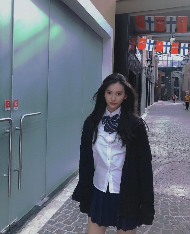 Khi loạt nữ thần trung học đọ sắc: Bình thường đã xinh, diện đồng phục còn nổi bật gấp mười - ảnh 23
