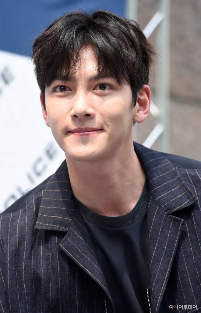 Ji Chang Wook nhận lời yêu Kim Ji Won ở phim mới của đạo diễn Điên Thì Có Sao, chưa gì đã thấy màu sướt mướt? - ảnh 4