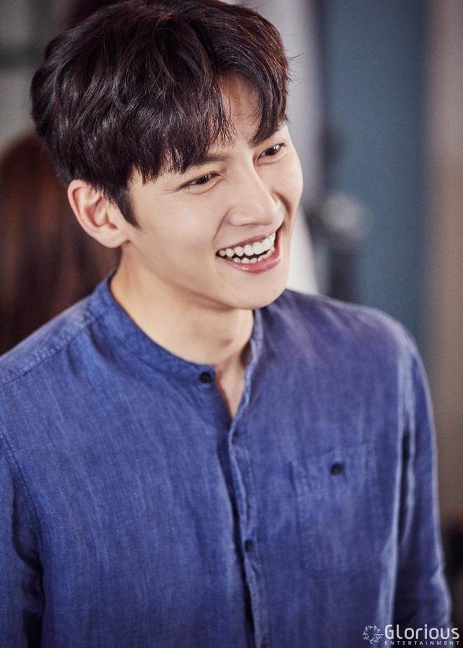 Ji Chang Wook nhận lời yêu Kim Ji Won ở phim mới của đạo diễn Điên Thì Có Sao, chưa gì đã thấy màu sướt mướt? - ảnh 3