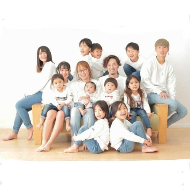 Cặp vợ chồng Nhật Bản cưới hơn 20 năm, sinh 12 đứa con nếp tẻ có đủ, hé lộ cuộc sống mỗi ngày khiến cộng đồng mạng sửng sốt - ảnh 15