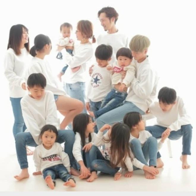 Cặp vợ chồng Nhật Bản cưới hơn 20 năm, sinh 12 đứa con nếp tẻ có đủ, hé lộ cuộc sống mỗi ngày khiến cộng đồng mạng sửng sốt - ảnh 14