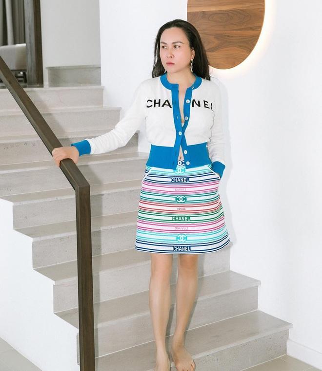 Hương Giang đụng hàng Phượng Chanel và cả dàn sao Kpop: Nhìn qua là biết ai chơi nhất, có nàng còn xén váy ngắn cũn - ảnh 3