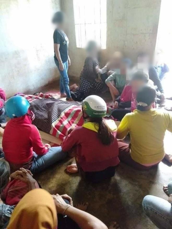 2 người chết, 1 thiếu niên hoảng loạn vì bị sét đánh khi đang gặt lúa - Ảnh 1.