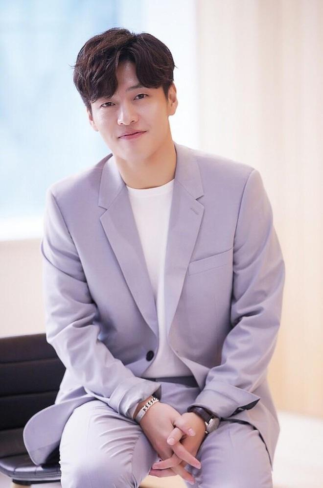 Kang Ha Neul - Son Ye Jin được rủ rê nên đôi nhưng anh Kang lại chê, quyết hốt vai bố chồng của chị đẹp? - ảnh 7